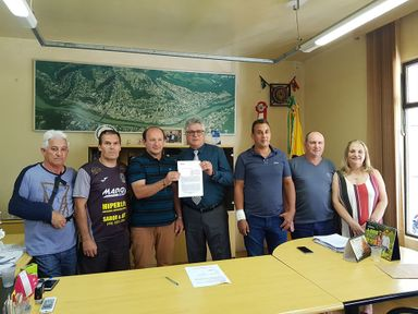 Município de Herval d' Oeste assina convênio para pavimentação de três ruas