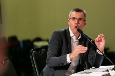 À CPI, Borba nega qualquer participação na compra dos respiradores