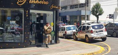 Joalheria no centro de Joaçaba é assaltada