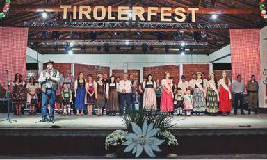 Ótimo público supera expectativas na primeira noite da Tirolerfest em Treze Tílias