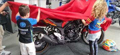 Assista! Lançamento da MT03 Homem de Ferro na Yamaha - De Marco Motos!