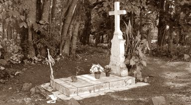 A história revelada! Conheça a guardiã do túmulo do Oscar e por que ele foi sepultado as marges do Rio do Peixe