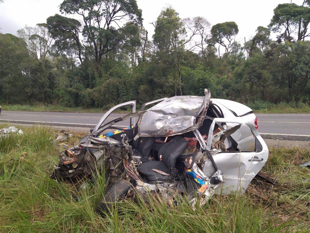 Morador de Herval morre em acidente entre carro e caminhão