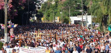 30ª Romaria Penitencial Frei Bruno reúne 35 mil pessoas em Joaçaba
