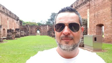 Comunicador catarinense lança primeiro livro