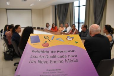 Unoesc, SRE e SED elaboram livro voltado à implementação do novo Ensino Médio