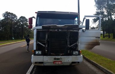 PRF apreende carreta adulterada na BR 282