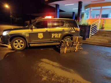 PRF apreende 144 kg de maconha na BR 282 em Joaçaba