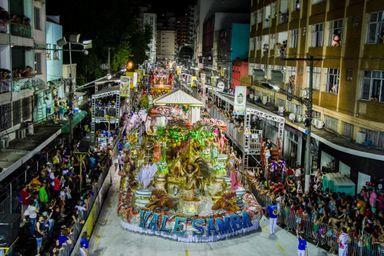 Vale Samba será a primeira a desfilar na noite deste sábado, 02.