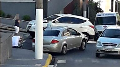 Cruzamento que requer atenção no centro de Joaçaba registra mais um acidente