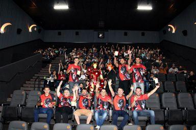Ação em Joaçaba leva clientes da Irmãos Cancelli para sessão exclusiva do filme Vingadores: Ultimato
