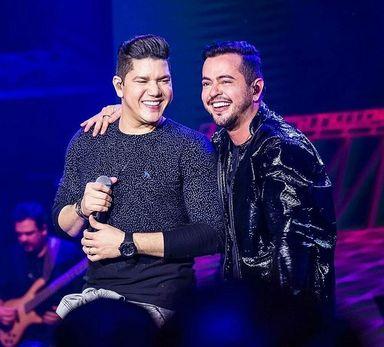 Carnablocos 2019 em Herval d'Oeste anuncia show nacional com Henrique e Diego