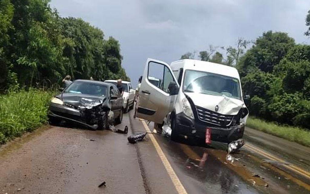 Colisão envolve quatro veículos na BR-282 em Catanduvas