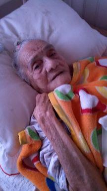 Família presta homenagem para moradora mais velha de Herval d' Oeste