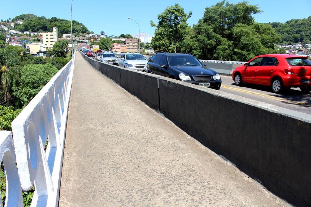 Ponte Emílio Baungart. (Arquivo Portal Éder Luiz)