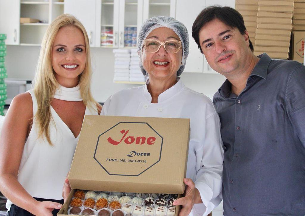 Flávia, Ione e Luiz Fernando.