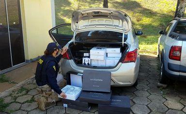 PRF apreende vinho importado ilegalmente na BR 282 em Chapecó