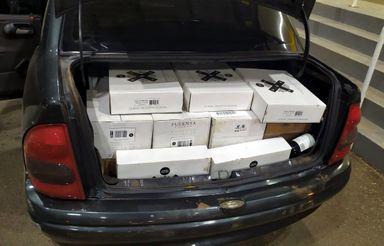 PRF apreende cerca de 300 garrafas de vinhos importados irregularmente na BR 163 em Guaraciaba