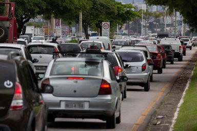 Dos 5 milhões de veículos em circulação no Estado, 3,3 milhões são tributados(Foto: Léo Munhoz/ DC)