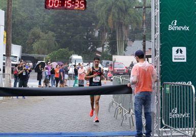 Douglas Silva vence pela primeira vez a etapa do Circuito Unimed em Joaçaba