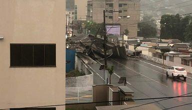 Vendaval causa estragos em Videira
