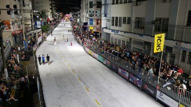Assista o Desfile das Escolas de Samba