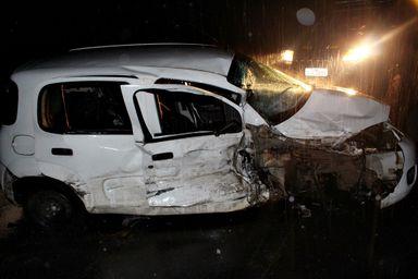 Motorista fica presa as ferragens do veículo em acidente na BR-282 em Joaçaba