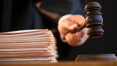 Idoso de 73 anos é condenado a mais de 28 anos de prisão por abusar de netas em Ponte Serrada