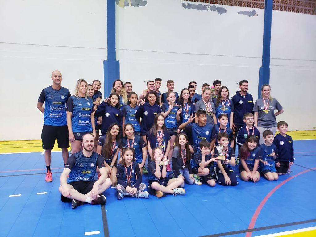 AMOB/Joaçaba é Tricampeã Catarinense de Badminton