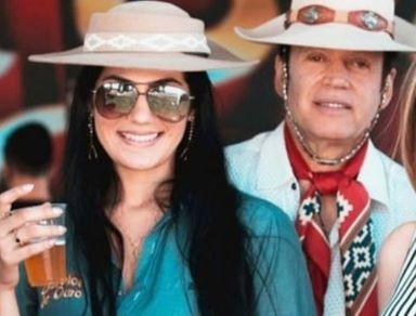 'Descanse em paz', diz companheira de Airton Machado, vocalista da banda Garotos de Ouro, morto em acidente com ônibus em SC