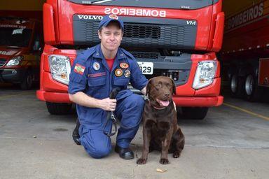 Soldado Josclei e o cão Iron (Ilustrativa)