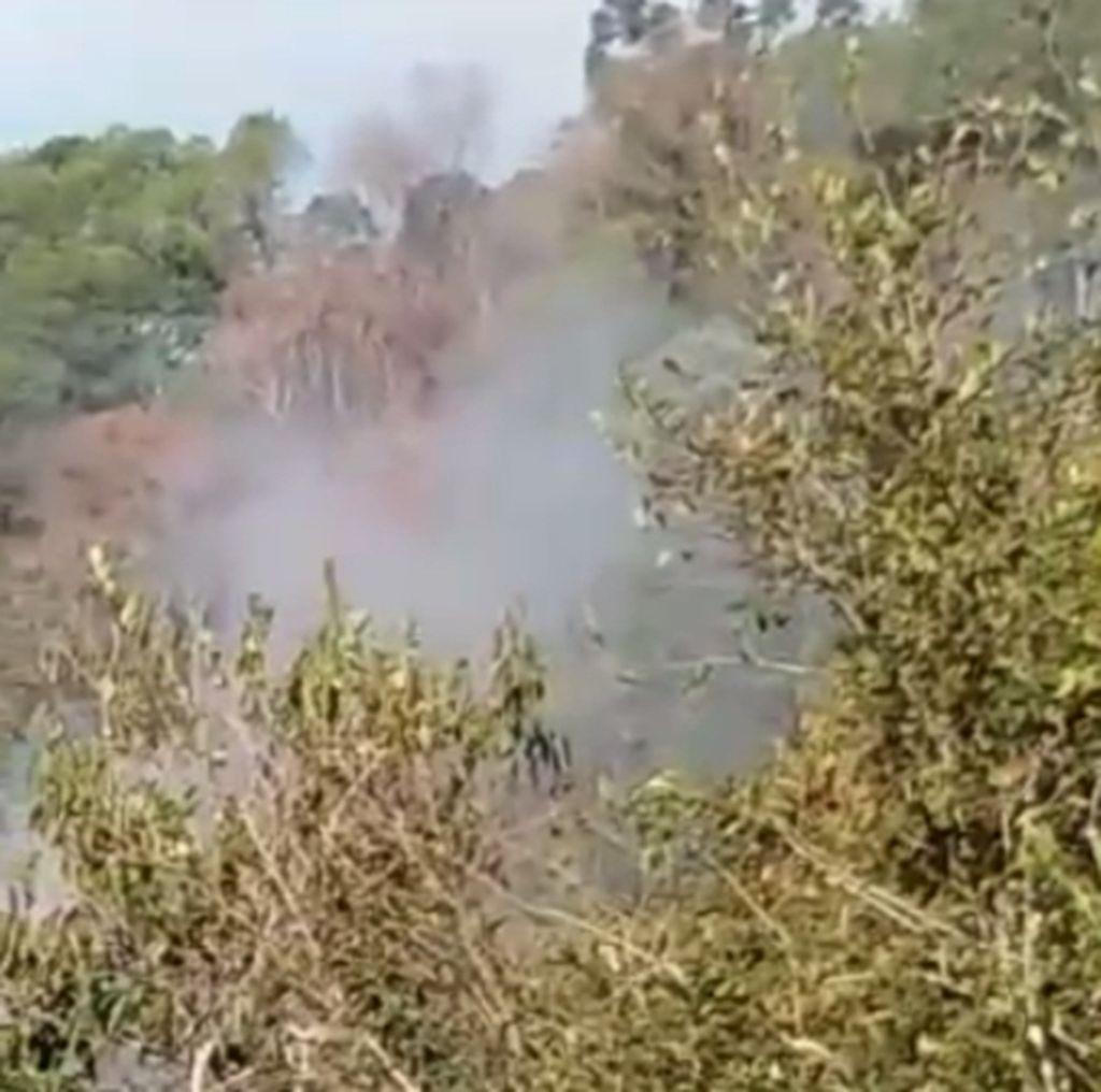 Em determinados períodos a quantidade de fumaça que sai do local é intensa
