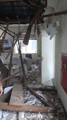 Forro da sala de espera do gabinete do prefeito de Joaçaba desabou na tarde desta quinta-feira
