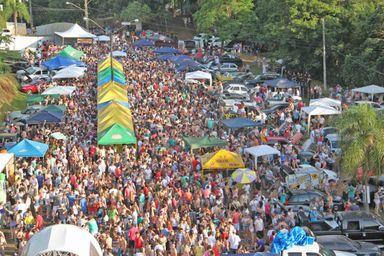 Abertura da temporada de verão em Piratuba com shows e muita diversão
