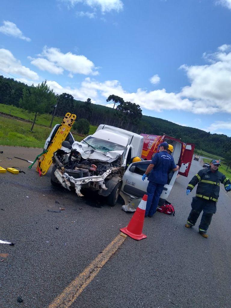 Acidente de trânsito deixa motorista ferido na BR-282