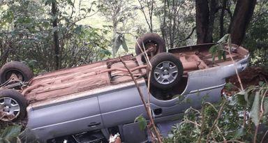 Carro de funerária de Joaçaba capota no interior de Concórdia