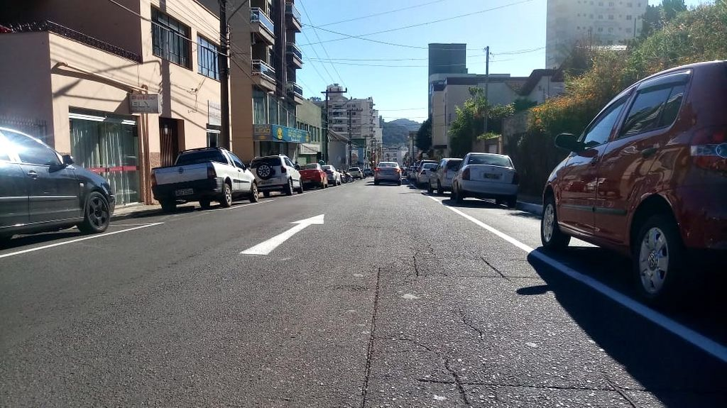 Trecho da rua Santos Dumont em Herval d' Oeste já está modificado em mão única