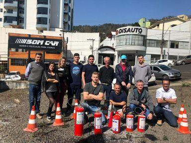 Condôminos são treinados para agir em caso de incêndio e outras situações de risco em Joaçaba