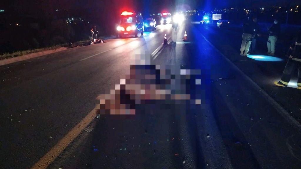 Motociclista morre após atropelar cavalo na BR-282, em Lages