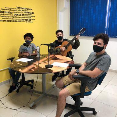 Escolas Municipais de Joaçaba possuem Rádio Educativa Online com programação criada por alunos e professores