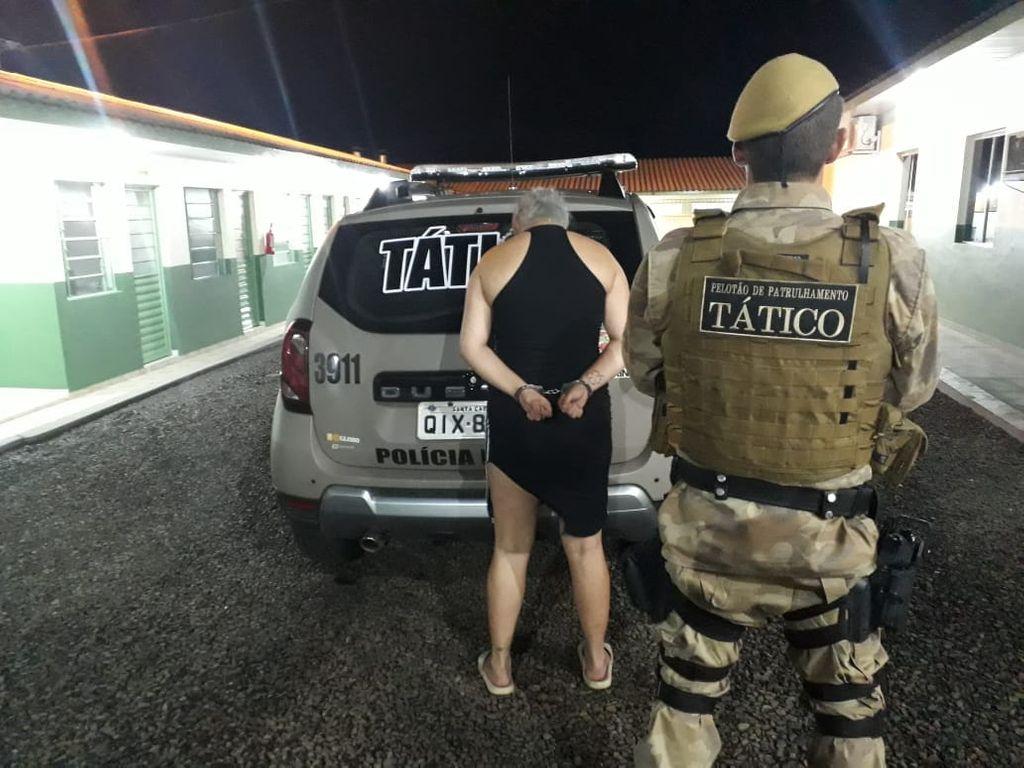 Mulher é presa em Luzerna por tráfico de drogas
