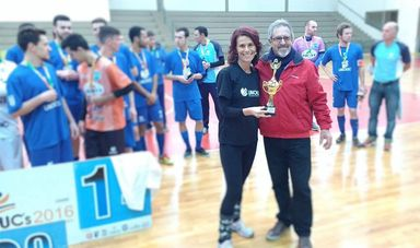 Professora Elisabeth Baretta e o presidente da FCDU, Manoel Obdúlio Rebelo