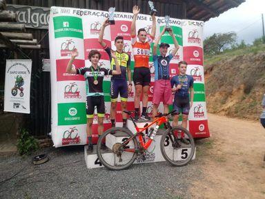 Ciclismo de Joaçaba conquista sete medalhas nas provas do pré JASC de Mountain Bike