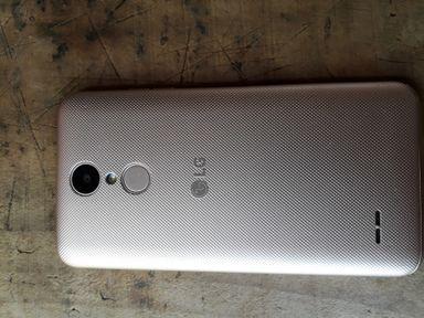Vendece um celular lg k4 modelo novo