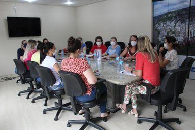 Enfermeiras da Secretaria de Saúde de Joaçaba realizam reunião para tratar sobre Campanha de Vacinação contra o COVID-19