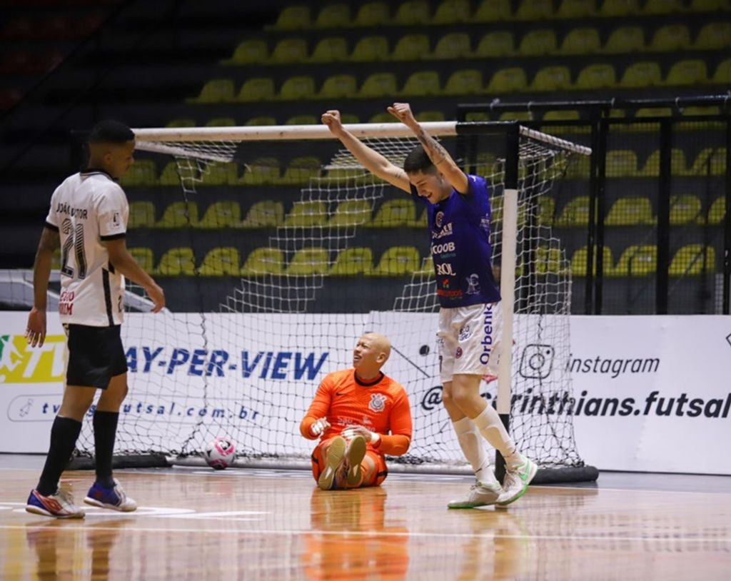 Joaçaba Futsal vence o Corinthians e assume vice-liderança do Grupo A da LNF